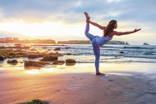 yoga-pole-02